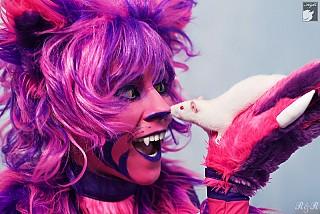 alice red queen cheshire cat cosplay dc comics